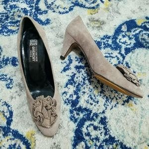Vtg Givenchy Taupe Suede Flower Embellished Pump